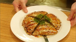 Let's Eat episode 12 okonomiyaki