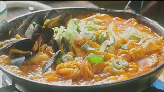 Let's Eat episode 4 tteokbokki