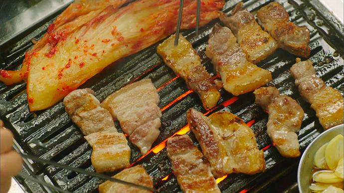 lets_eat_14_coal_briquette_samgyeopsal