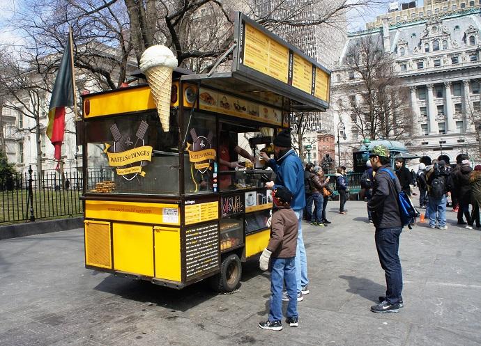 Wafels & Dinges food cart